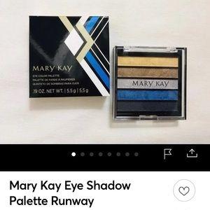 Mary Kay eyeshadow palette in rock the runway